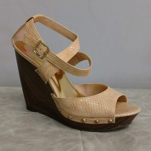 JESSICA SIMPSON - like new - platform wedge heels
